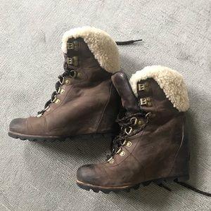 Sorel Conquest Boots size 7